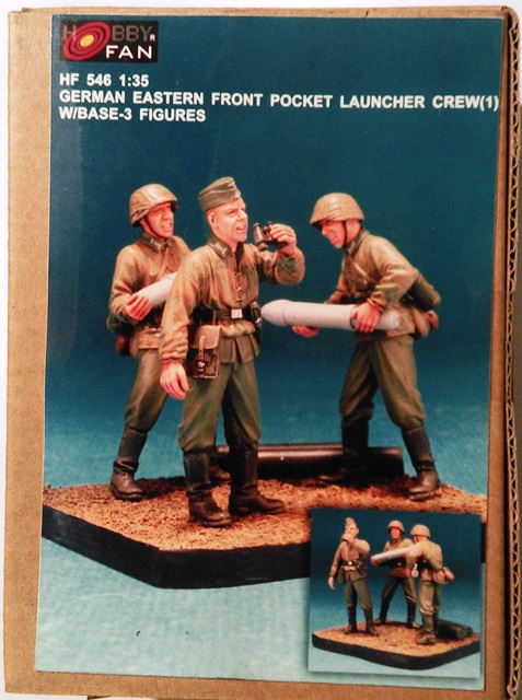 German Eastern Front Rocket Launcher Crew (1) - 3 Figures with Base